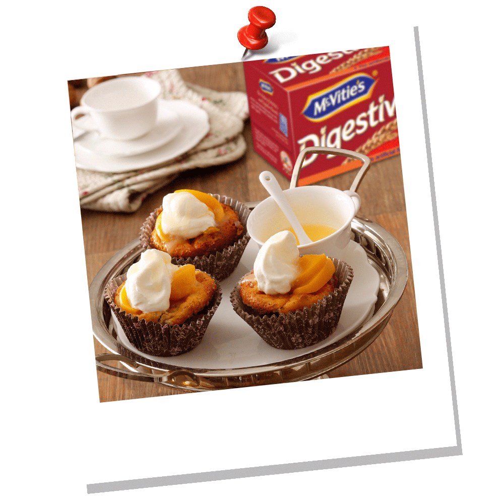 MCVITIE'S NUTS & PEACHES SMALL CAKES